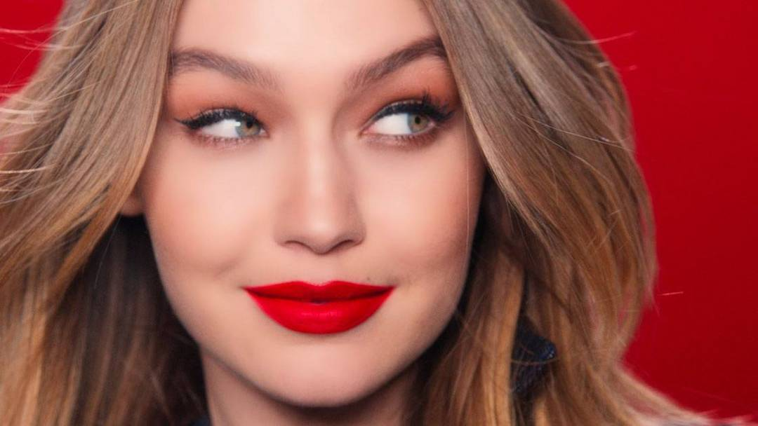 Maybelline España Gigi Hadid spot Super stay Matte Ink City Edition pintalabios mate permanente